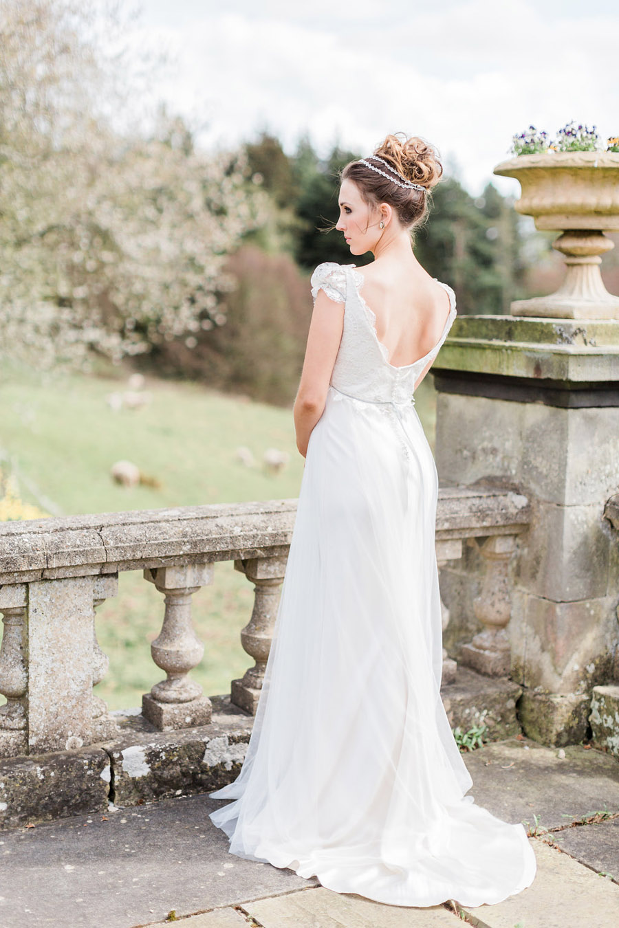 Jane Austen wedding style inspiration from Oxford Hall, with Katy Melling Photography (17)