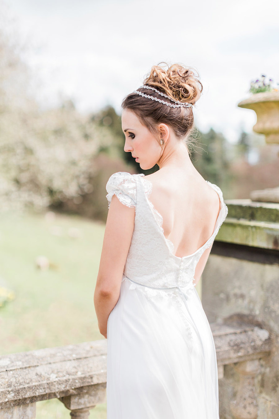 Jane Austen wedding style inspiration from Oxford Hall, with Katy Melling Photography (18)
