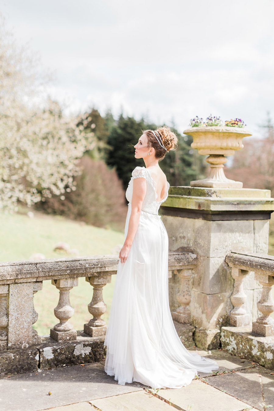 Jane Austen wedding style inspiration from Oxford Hall, with Katy Melling Photography (19)