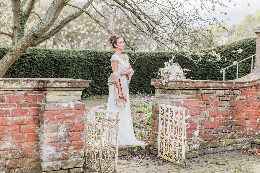 Jane Austen wedding style inspiration from Oxford Hall, with Katy Melling Photography (27)