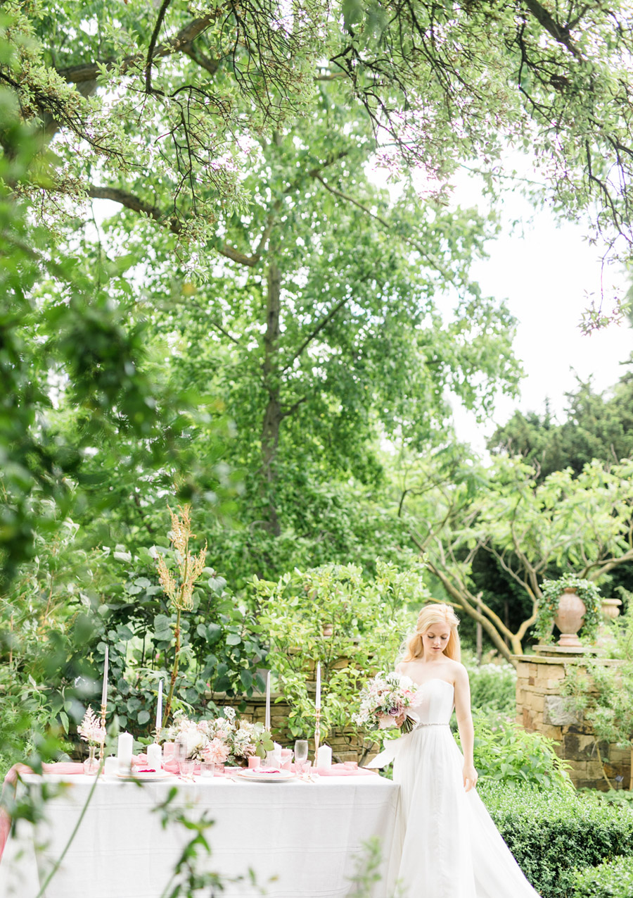 Romantic London wedding editorial with Ryann Lindsey Photography (17)