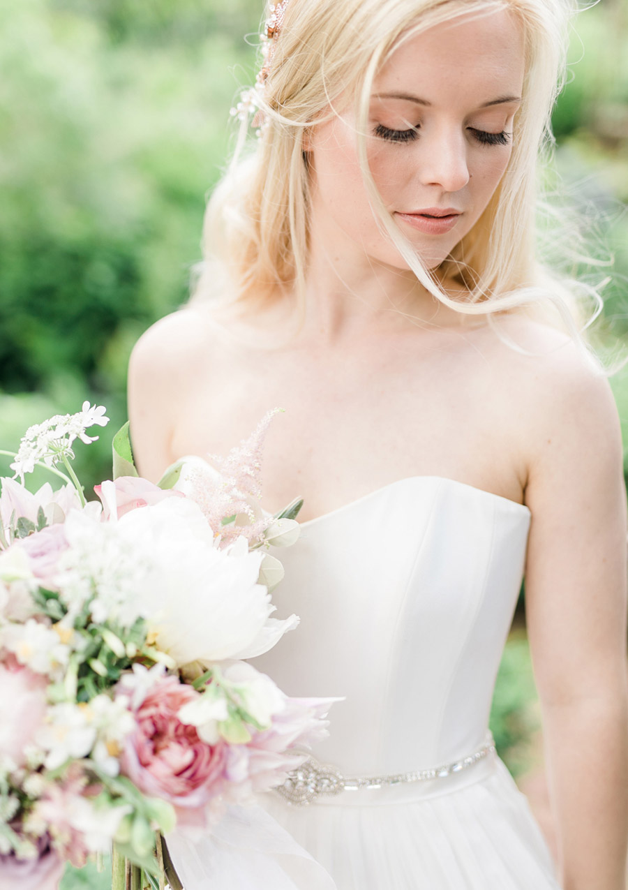 Romantic London wedding editorial with Ryann Lindsey Photography (19)