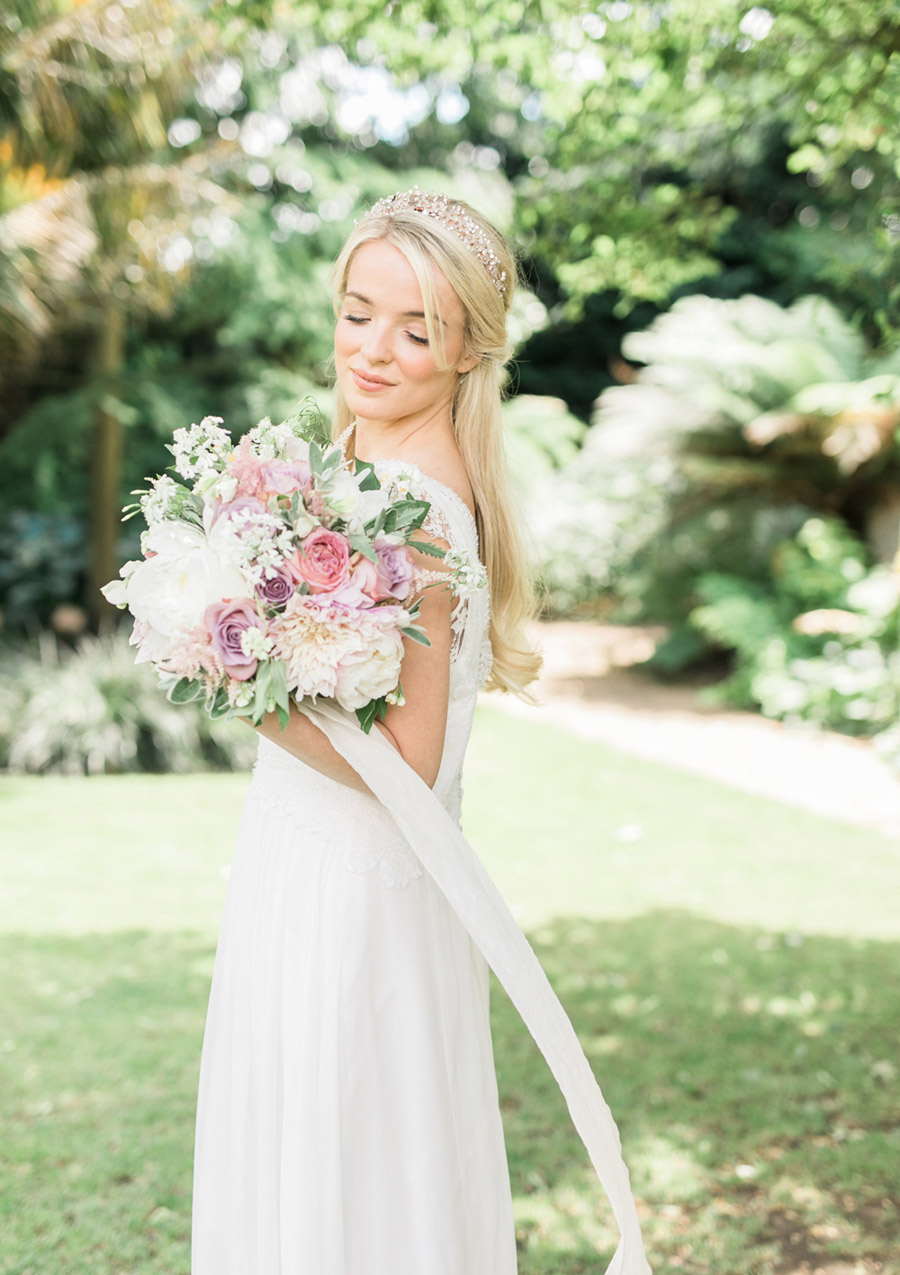 Romantic London wedding editorial with Ryann Lindsey Photography (31)