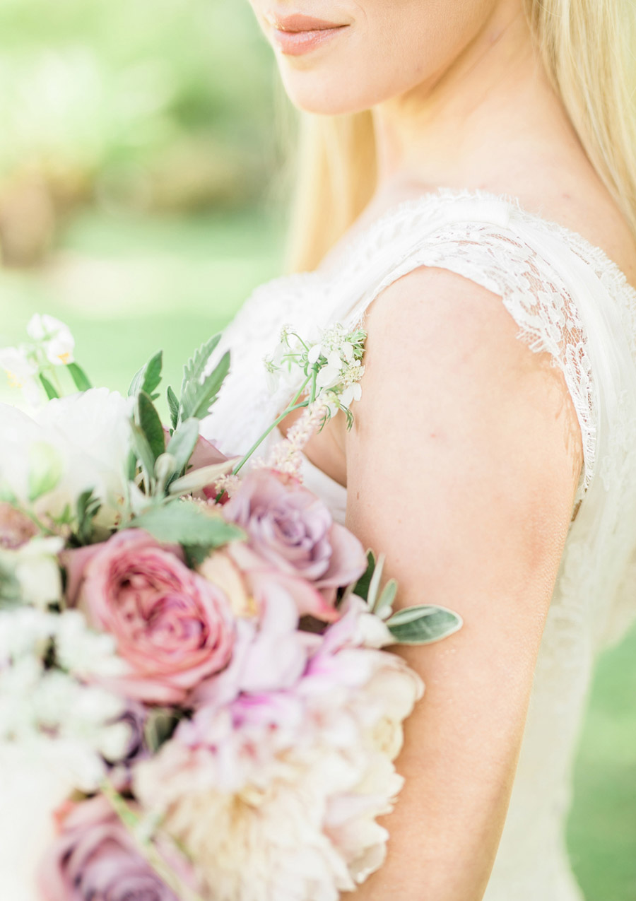Romantic London wedding editorial with Ryann Lindsey Photography (32)