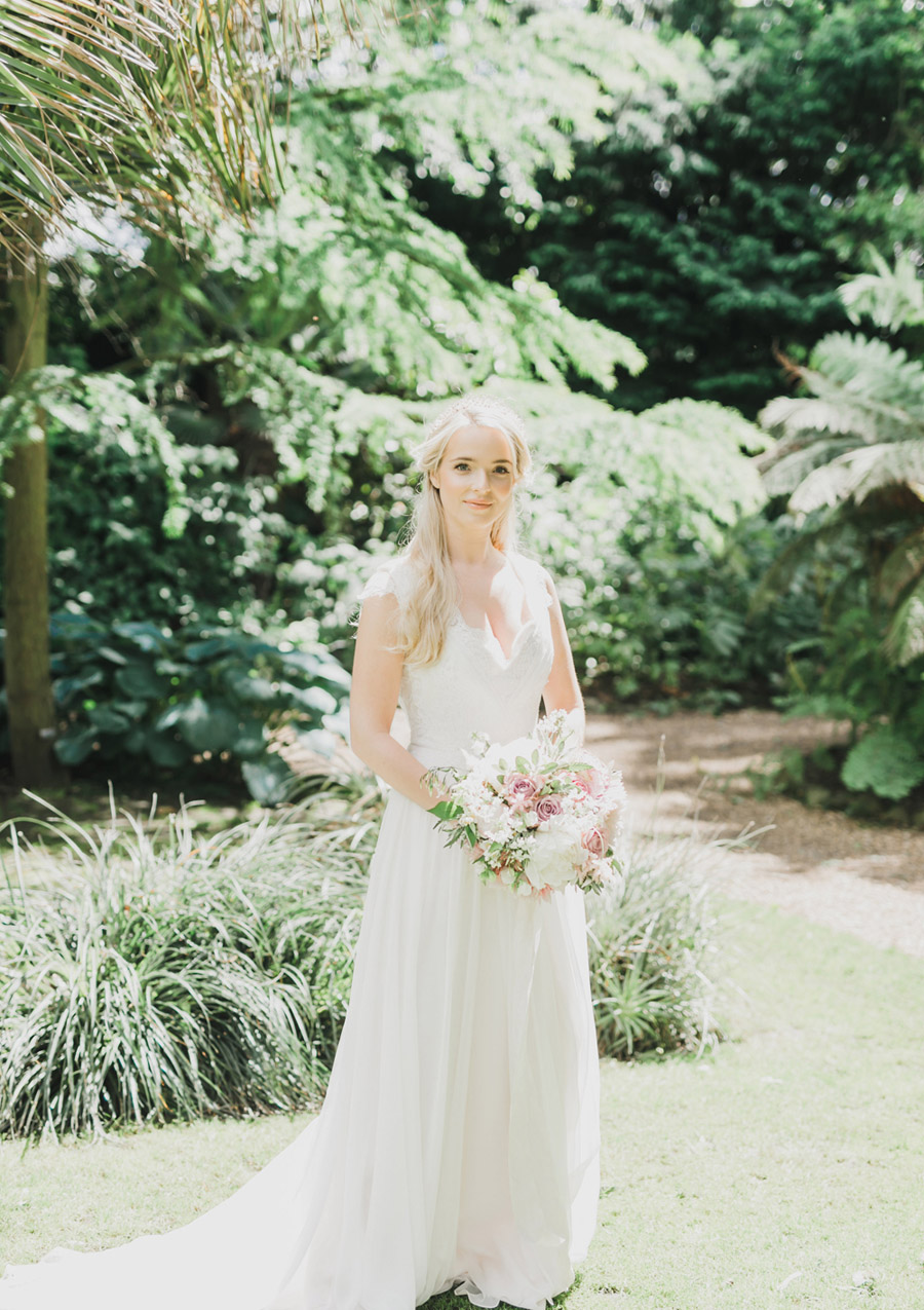 Romantic London wedding editorial with Ryann Lindsey Photography (33)