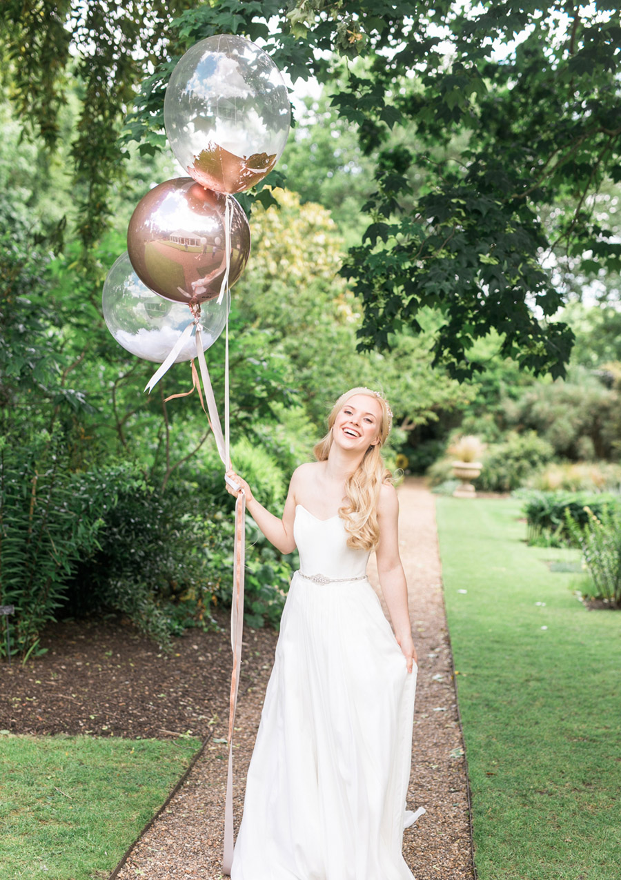 Romantic London wedding editorial with Ryann Lindsey Photography (34)