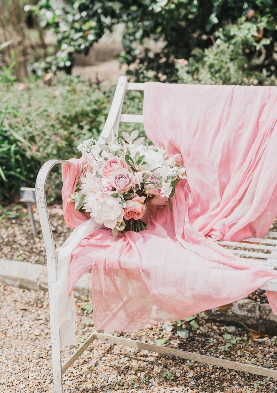 Romantic London wedding editorial with Ryann Lindsey Photography (35)