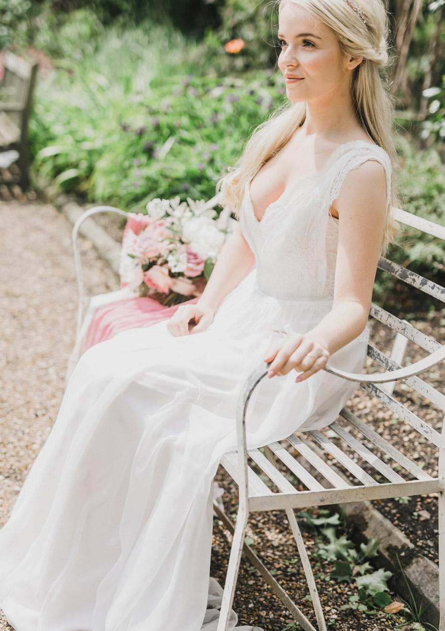 Romantic London wedding editorial with Ryann Lindsey Photography (36)