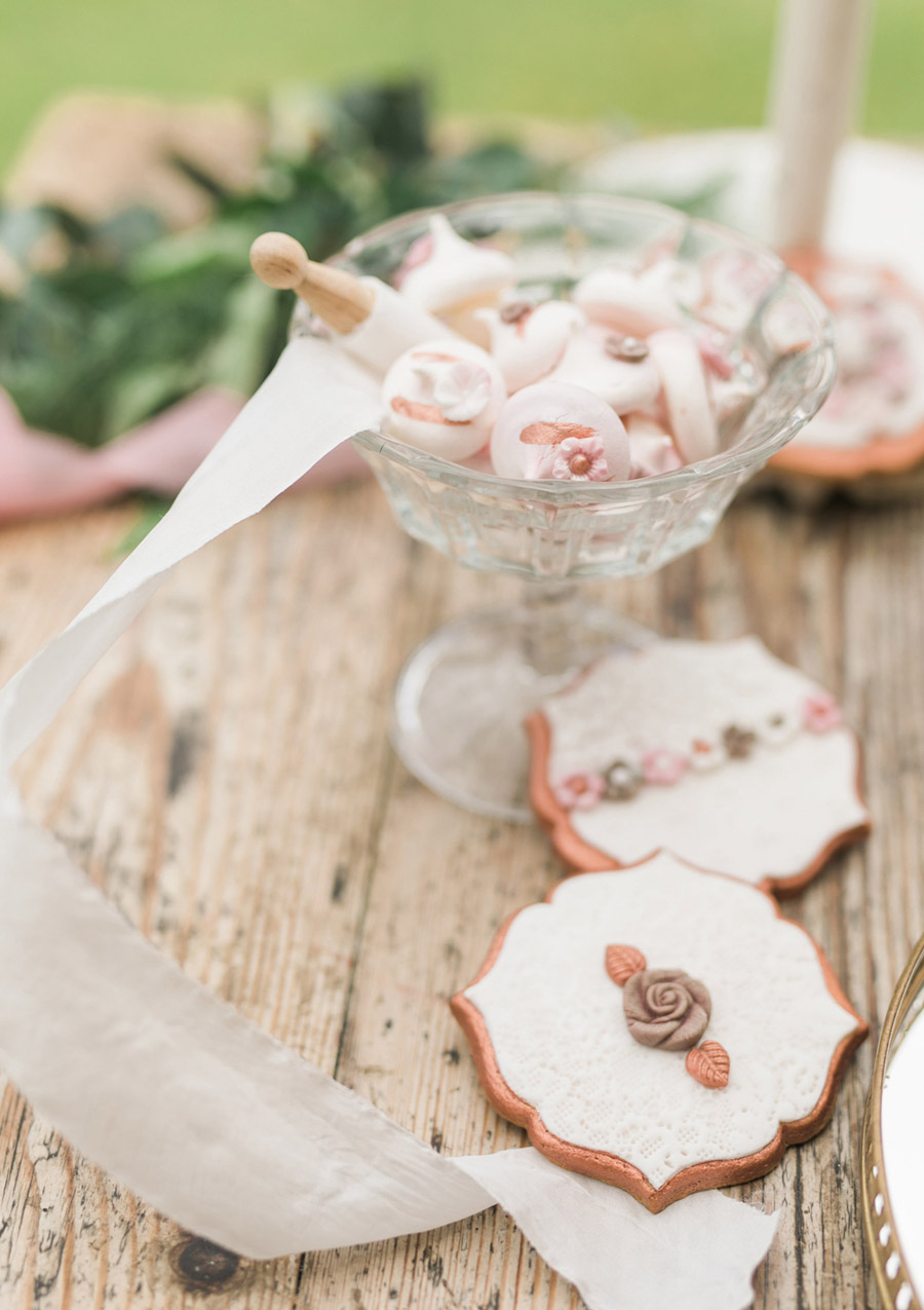 Romantic London wedding editorial with Ryann Lindsey Photography (41)