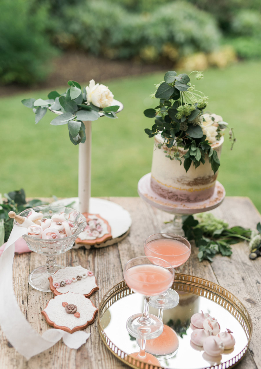 Romantic London wedding editorial with Ryann Lindsey Photography (42)