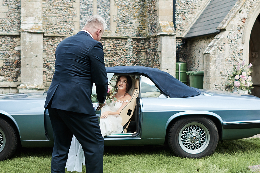 Creative and eclectic modern wedding styling on the English Wedding Blog. Images by Faye Amare Photography (8)