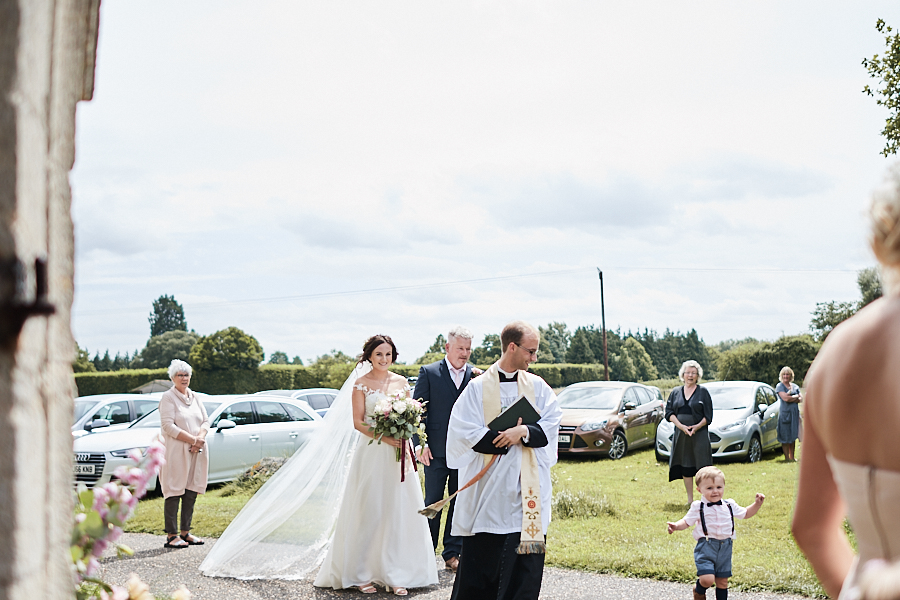 Creative and eclectic modern wedding styling on the English Wedding Blog. Images by Faye Amare Photography (9)