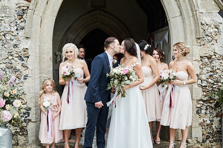 Creative and eclectic modern wedding styling on the English Wedding Blog. Images by Faye Amare Photography (13)