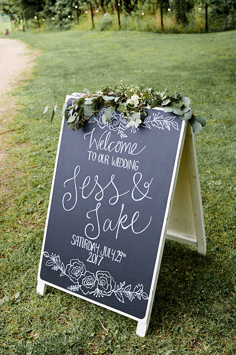 Creative and eclectic modern wedding styling on the English Wedding Blog. Images by Faye Amare Photography (17)