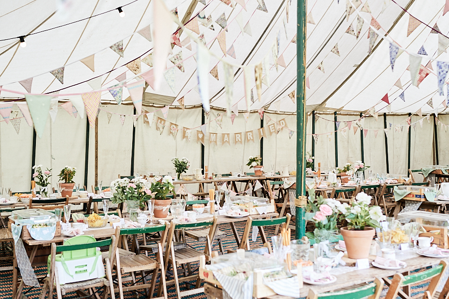 Creative and eclectic modern wedding styling on the English Wedding Blog. Images by Faye Amare Photography (20)