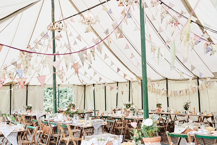 Creative and eclectic modern wedding styling on the English Wedding Blog. Images by Faye Amare Photography (21)