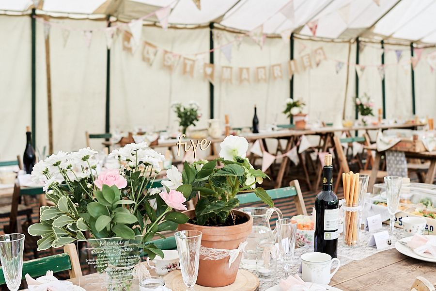 Creative and eclectic modern wedding styling on the English Wedding Blog. Images by Faye Amare Photography (23)