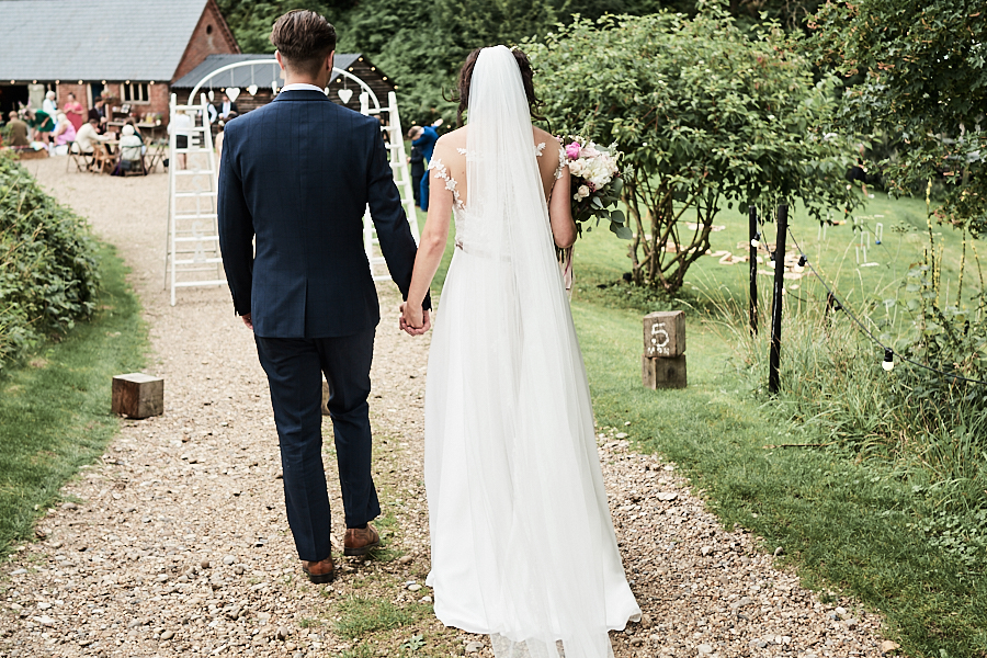 Creative and eclectic modern wedding styling on the English Wedding Blog. Images by Faye Amare Photography (31)