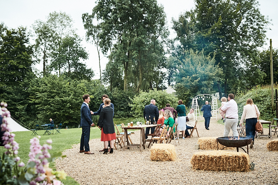 Creative and eclectic modern wedding styling on the English Wedding Blog. Images by Faye Amare Photography (34)