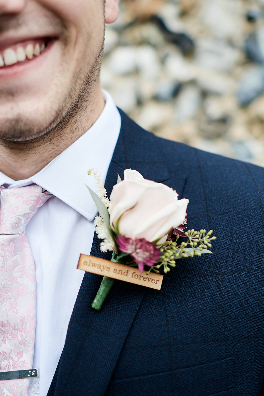Creative and eclectic modern wedding styling on the English Wedding Blog. Images by Faye Amare Photography (5)
