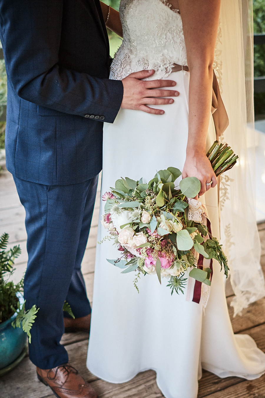 Creative and eclectic modern wedding styling on the English Wedding Blog. Images by Faye Amare Photography (36)