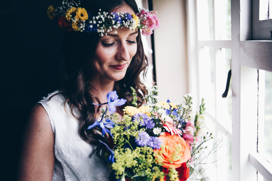 Relaxed hippie boho vibe wedding at Shustoke Farm Barns with Winnington & Coe Photography (15)