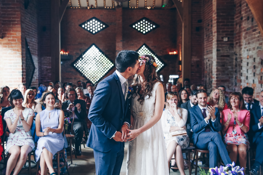 Relaxed hippie boho vibe wedding at Shustoke Farm Barns with Winnington & Coe Photography (26)