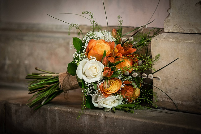 Mad Hatter's tea party September wedding in Hampshire - image credit Linus Moran Photography (12)