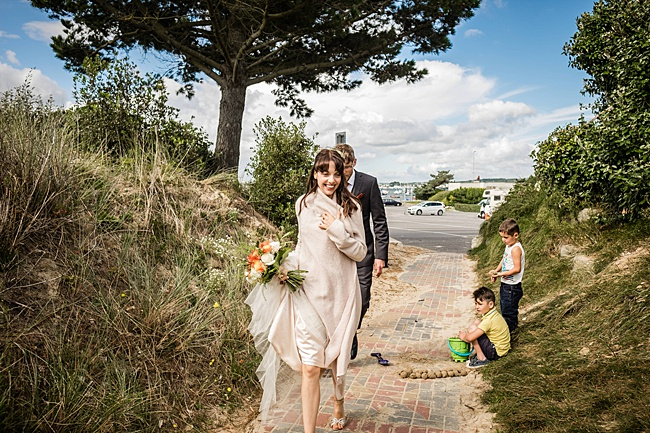 Mad Hatter's tea party September wedding in Hampshire - image credit Linus Moran Photography (17)