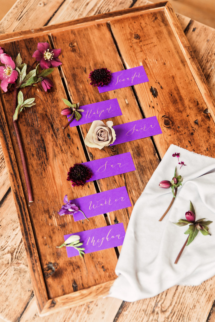 Purple wedding style inspiration with calligraphy By Moon and Tide, photo credit Camilla Lucinda Photography (10)