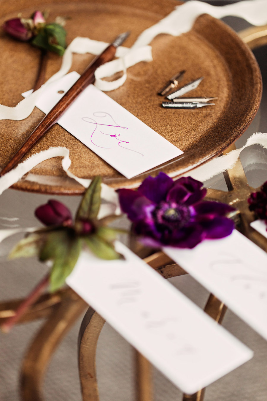 Purple wedding style inspiration with calligraphy By Moon and Tide, photo credit Camilla Lucinda Photography (3)