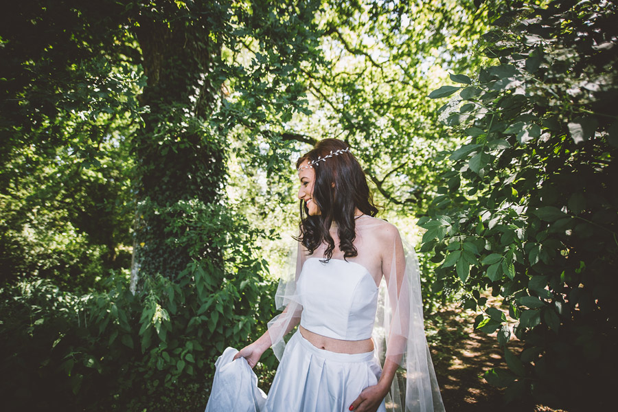 Eco styling ideas for a summer picnic wedding with Bohotanical and the Gilded Fern (14)