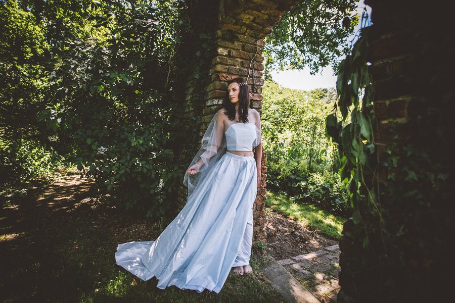 Eco styling ideas for a summer picnic wedding with Bohotanical and the Gilded Fern (15)