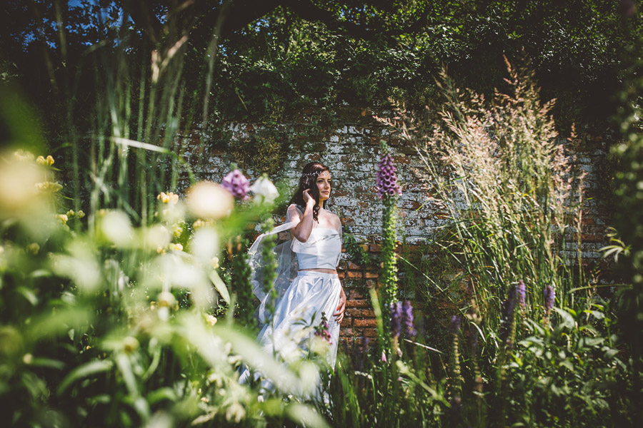 Eco styling ideas for a summer picnic wedding with Bohotanical and the Gilded Fern (17)