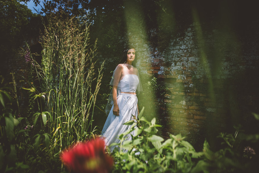 Eco styling ideas for a summer picnic wedding with Bohotanical and the Gilded Fern (19)