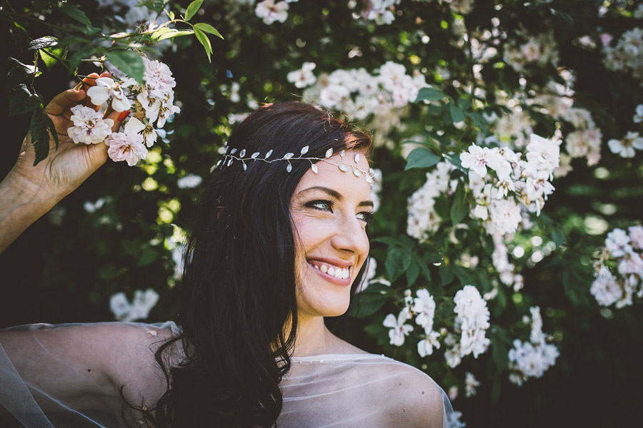 Eco styling ideas for a summer picnic wedding with Bohotanical and the Gilded Fern (23)