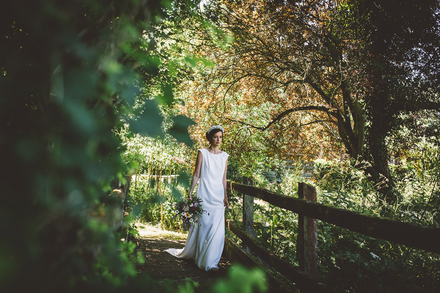 Eco styling ideas for a summer picnic wedding with Bohotanical and the Gilded Fern (32)
