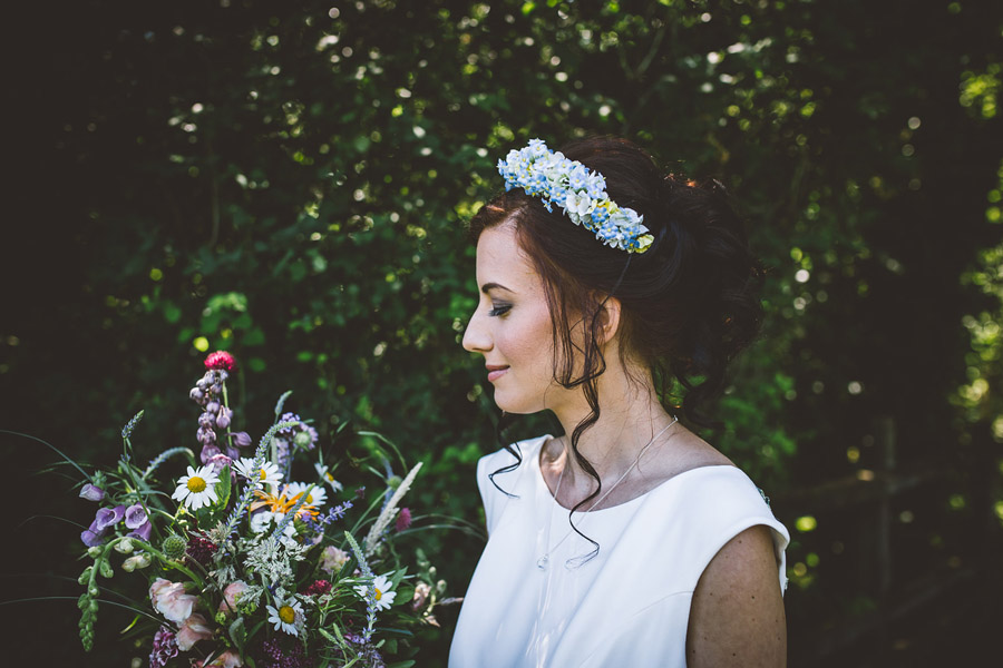 Eco styling ideas for a summer picnic wedding with Bohotanical and the Gilded Fern (34)