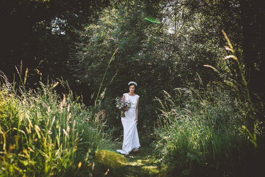 Eco styling ideas for a summer picnic wedding with Bohotanical and the Gilded Fern (37)