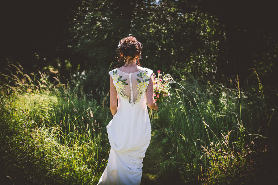 Eco styling ideas for a summer picnic wedding with Bohotanical and the Gilded Fern (38)