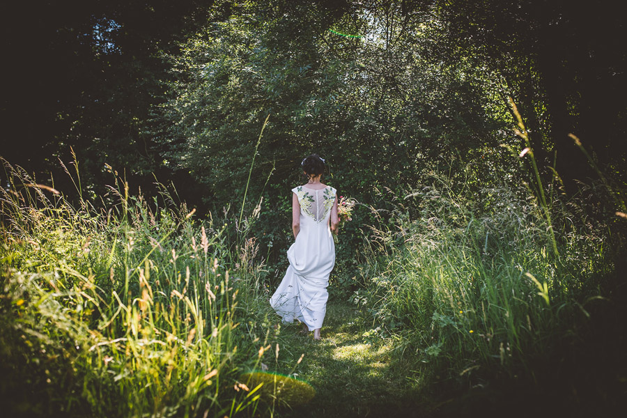 Eco styling ideas for a summer picnic wedding with Bohotanical and the Gilded Fern (39)