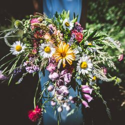 My new favourite wedding bouquet, and a treasure trove of eco & vegan wedding inspo! With Bohotanical & Gilded Fern