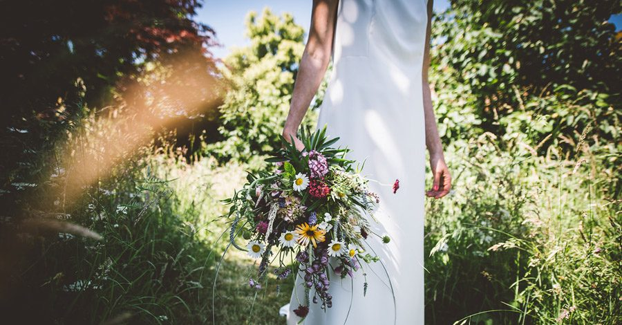 Eco styling ideas for a summer picnic wedding with Bohotanical and the Gilded Fern (42)