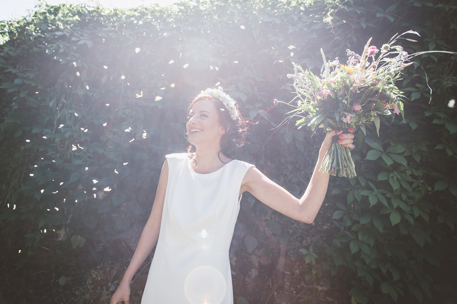 Eco styling ideas for a summer picnic wedding with Bohotanical and the Gilded Fern (44)