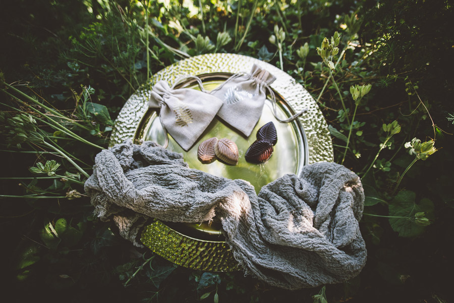 Eco styling ideas for a summer picnic wedding with Bohotanical and the Gilded Fern (46)