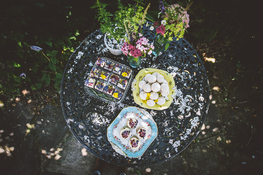 Eco styling ideas for a summer picnic wedding with Bohotanical and the Gilded Fern (47)