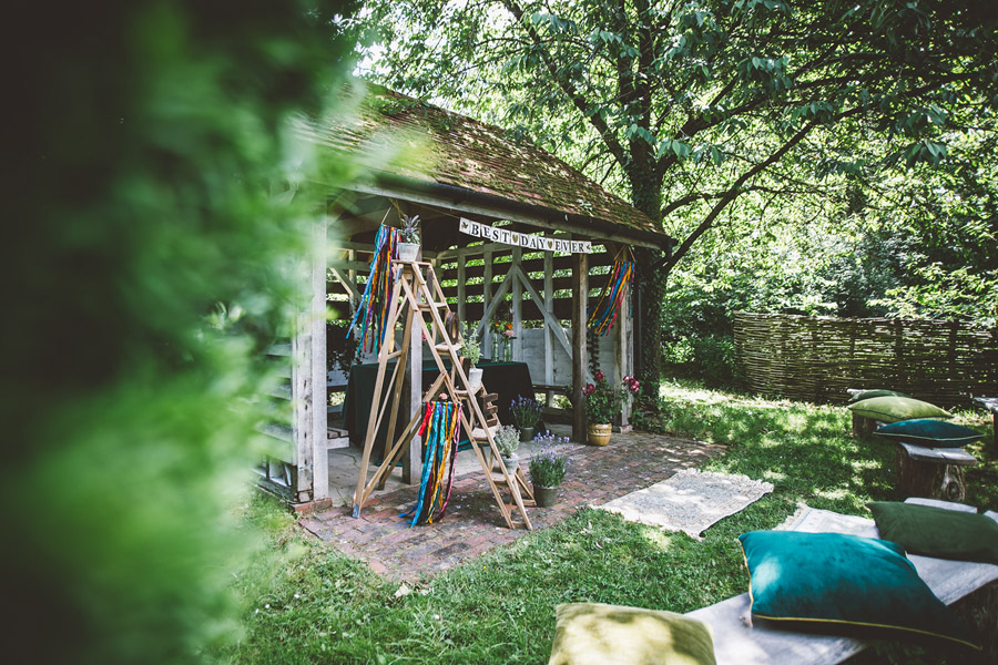 Eco styling ideas for a summer picnic wedding with Bohotanical and the Gilded Fern (6)