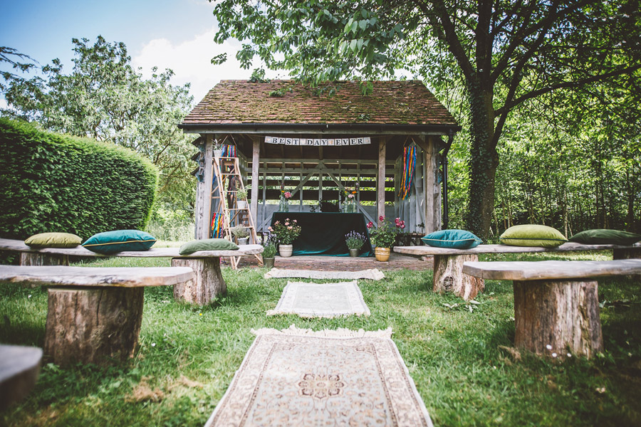 Eco styling ideas for a summer picnic wedding with Bohotanical and the Gilded Fern (10)