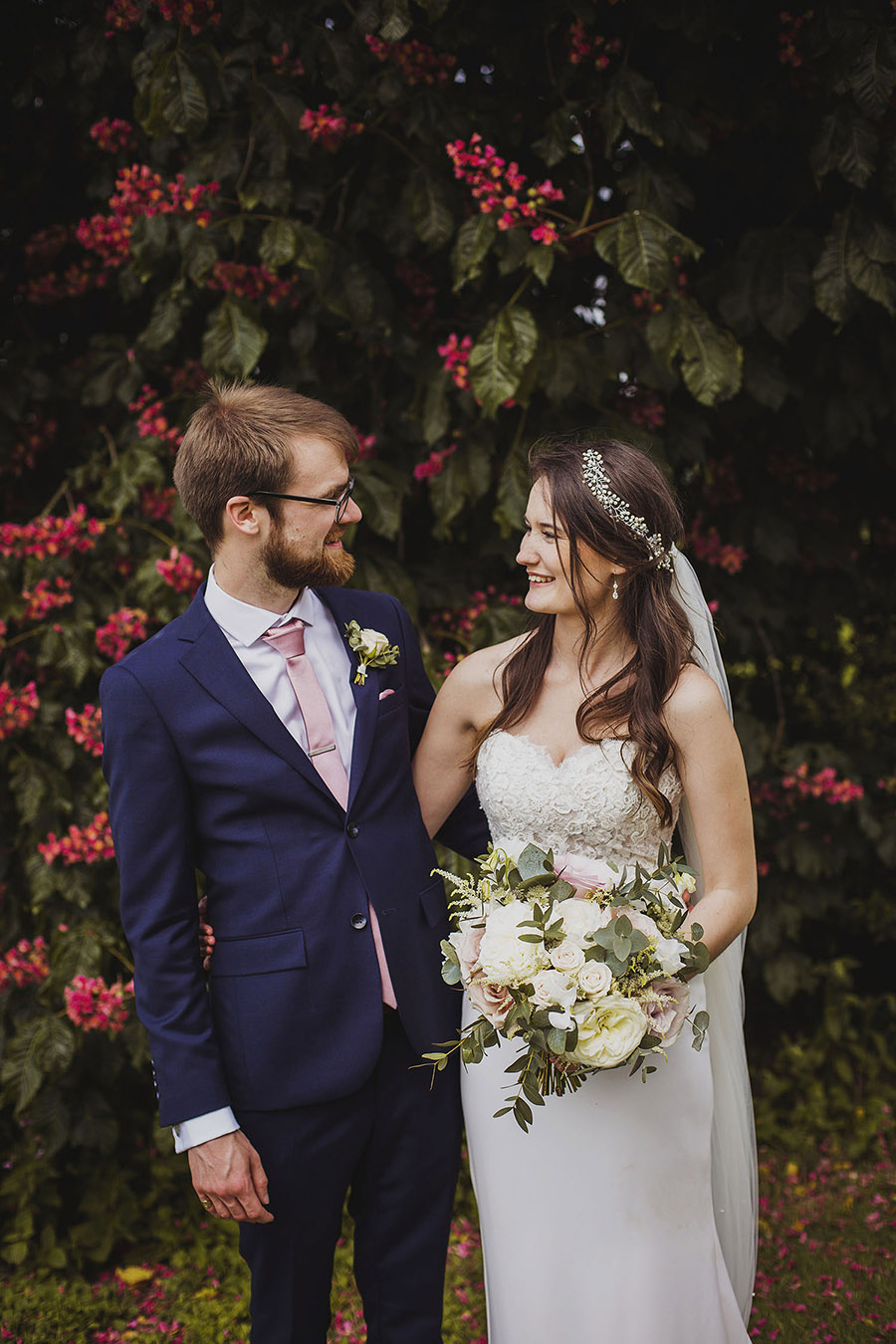 Relaxed outdoor wedding at Cott Farm Barn with images by Heather Birnie Photography on the English Wedding Blog (31)