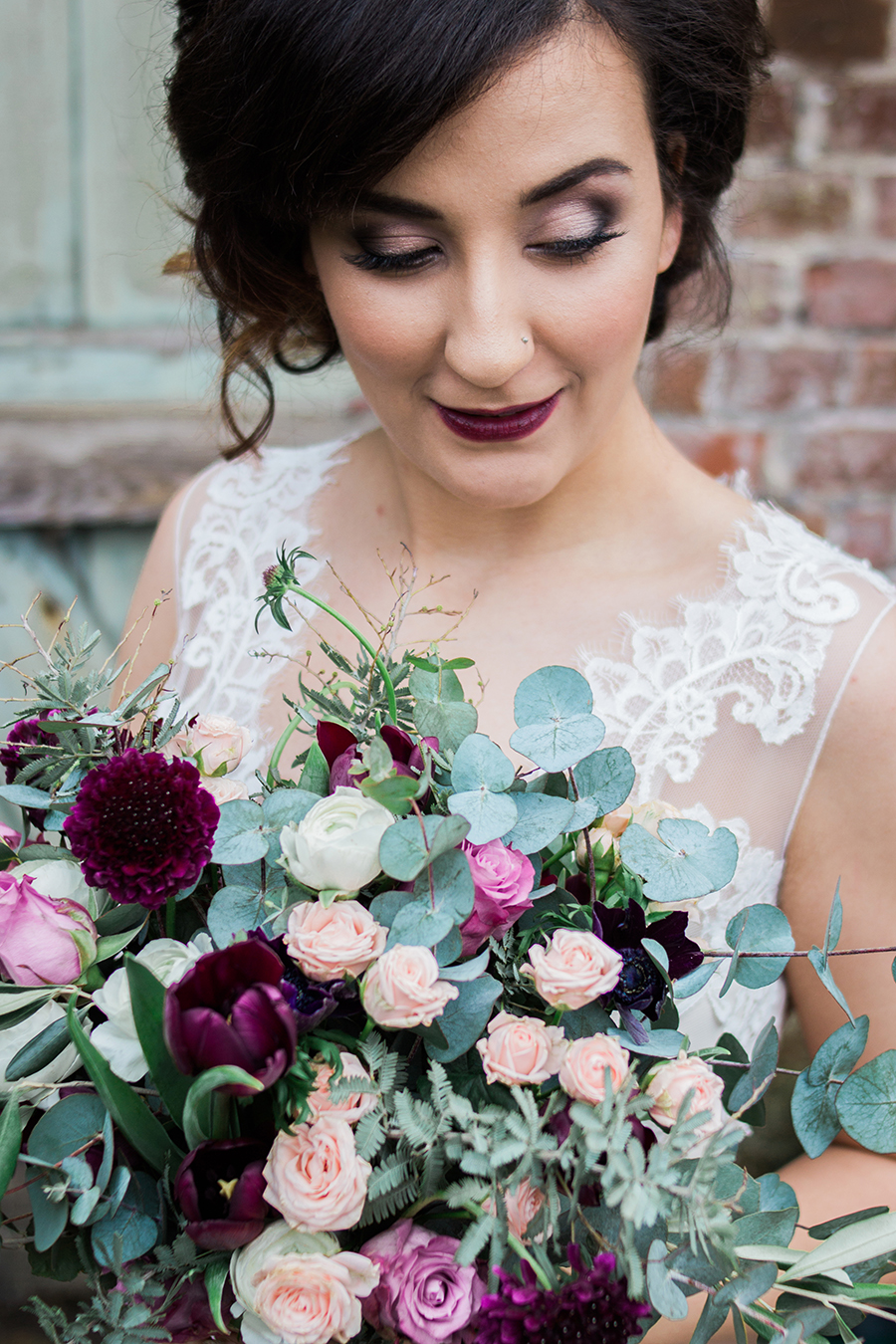 warm, winter wedding styling with heirloom touches on the English Wedding Blog - image by Katie Rogers Photography (12)